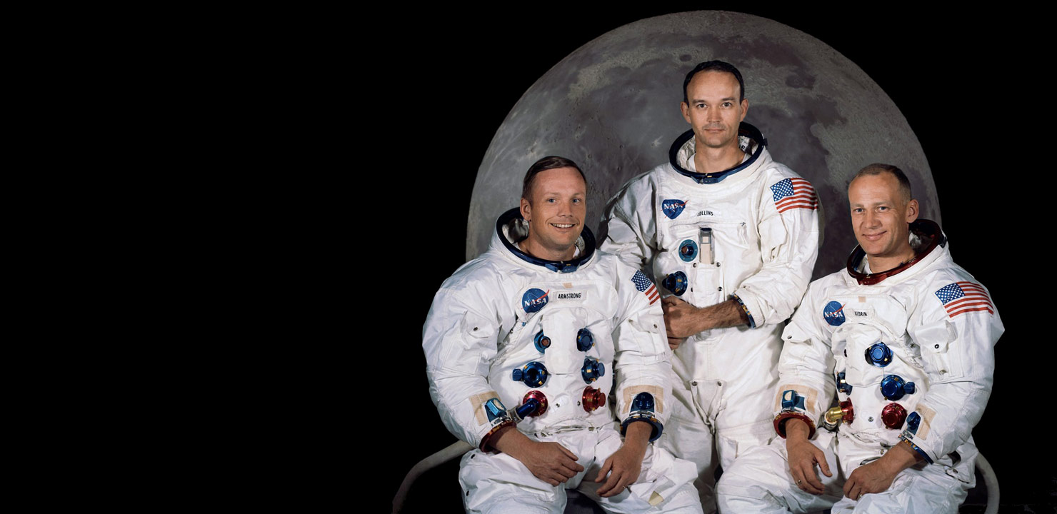 names of astronauts who circled the moon - photo #11